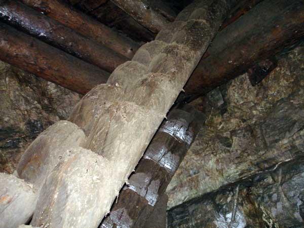 Оригинальная и простая конструкция лестниц ходового отделения. Воскресенский рудник