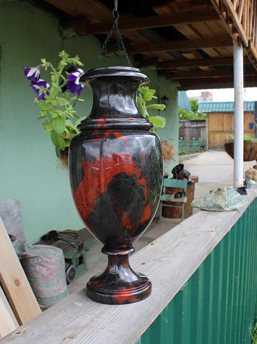 Первая ваза из яшмы