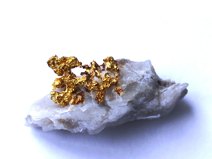 Ажурное выделение самородного золота в кварце. Березовский рудник. Середина ХХ века
