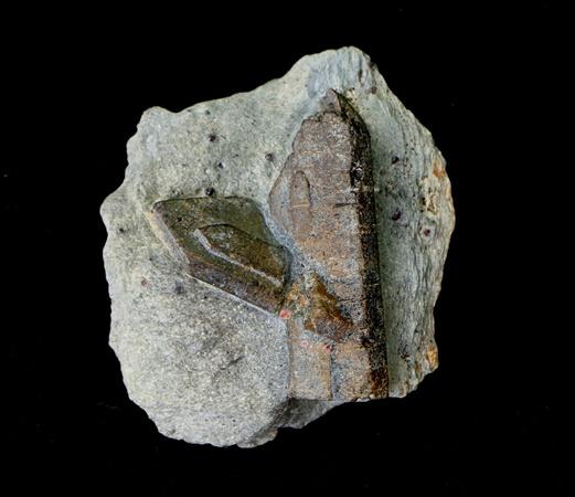 ставролит крупный кристалл Урал